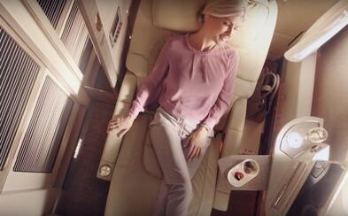 Letecká spoločnosť Emirates predstavila nový dizajn prvej triedy. Sľubuje virtuálne okná, nevídaný komfort a luxus
