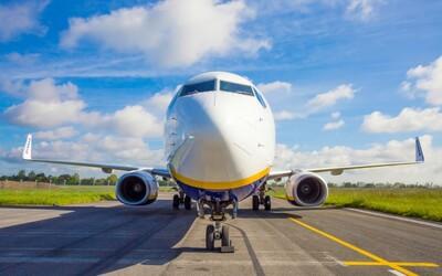 Letecká spoločnosť Ryanair zabudla na 50 cestujúcich. Lietadlo omylom odletelo bez nich