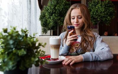 Levné letenky i tipy na výlety či chutné jídlo. 30 mobilních aplikací pro každého, kdo se přes léto chystá do světa