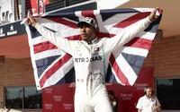 Lewis Hamilton má už šiesty titul z F1. Smeruje k prekonaniu Michaela Schumachera