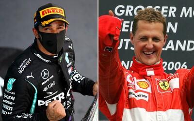 Lewis Hamilton přepsal historii F1. 92. vítězstvím překonal rekord Michaela Schumachera