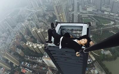 Lezl na mrakodrapy bez jištění a stálo ho to život. Známý lezec po pádu z jednoho z nich zemřel