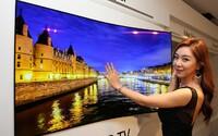 LG televízor, ktorý si jednoducho prilepíte na stenu. Je hrubý ako kancelárska spinka