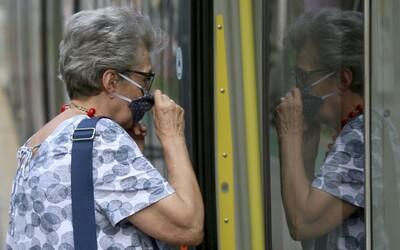 Liberecký kraj znovu zavede povinné nošení roušek ve zdravotnických zařízeních