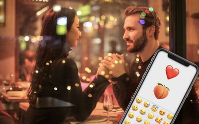 Lidé, kteří používají mnoho emoji, prý mají více sexu