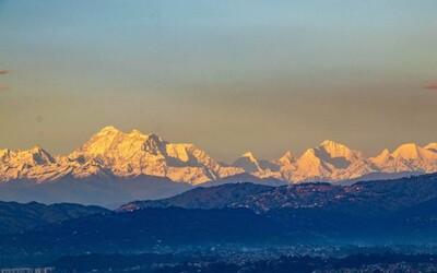Lidé z Nepálu vůbec poprvé dohlédli až na Mount Everest. Může za to koronavirus