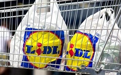 Lidl končí s prodejem igelitek. Od března začne nabízet výhradně recyklovatelné varianty
