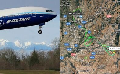 Letadlo mělo prasklou pneumatiku. Hodiny kroužilo nad Madridem, nakonec se mu podařilo přistát