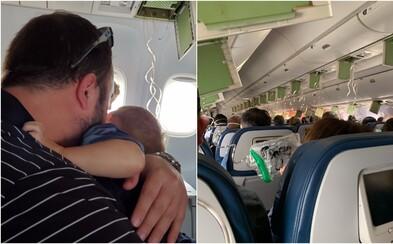 Lietadlo sa prepadlo o 9 kilometrov, na palube vládla panika. Cestujúci volali rodinám a lúčili sa
