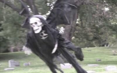 Lietajúci démon a duch na Halloween