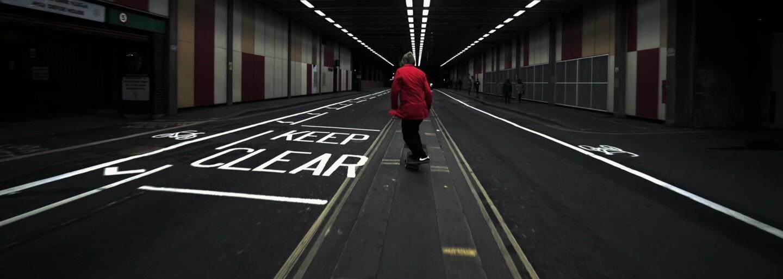 Life is Porno představuje skateovým videem svůj kabát. Prohlédni si nový produkt na záběrech z Londýna