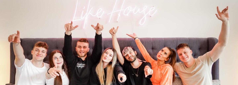 Like House si odbyl svoji premiéru. Anna Šulc tvůrcům poslala klaunské emoji