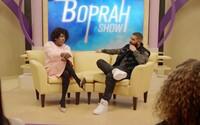 Lil Yachty jako Boprah vyzpovídá v novém klipu kromě DaBabyho i Drakea. Zjišťuje, jak mu změnily život vousy