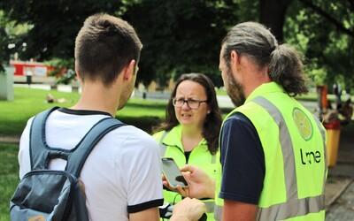 Lime bude v Praze stovkou pokutovat své vlastní uživatele. Chce, aby parkovali tam, kde mají