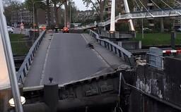 Loď, kterou řídil český kapitán, narazila do mostu v Nizozemsku a vážně jej poškodila