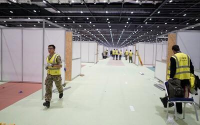 Londýn premenil výstavnú halu na obrovskú nemocnicu. Pozri si timelapse z prípravy