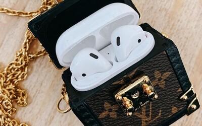 Louis Vuitton ponúka náhrdelník, aby si si mal kde zavesiť svoje Airpody