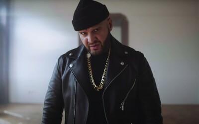 Louis Vuitton versus sandále: Paulie Garand a Pil C okrádají v klipu šíleného Rytmuse