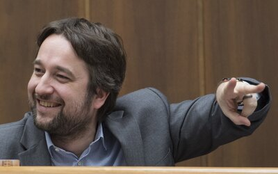 Ľubošovi Blahovi súd prikázal zmazať statusy týkajúce sa ovplyvňovania volieb spoločnosťou ESET