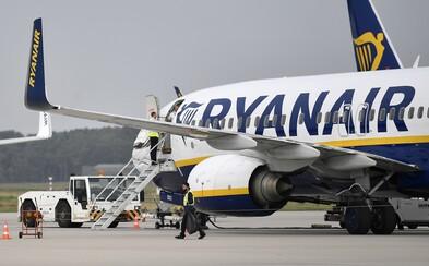 Ľudia by mohli lietať na dovolenky už v lete, myslí si Európska komisia. Povinné ale budú rúška aj filtrácia vzduchu na palube