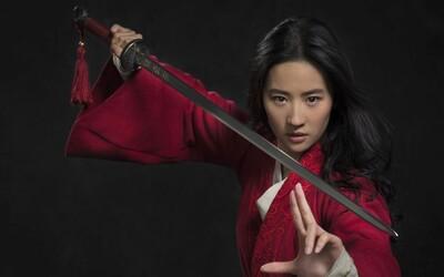 Ľudia kritizujú hlavnú postavu z filmu Mulan. Verejne podporila políciu v boji proti protestom v Hongkongu