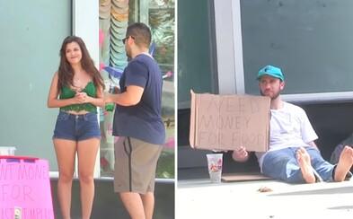 Ľudia radšej prispejú na implantáty, akoby mali bezdomovcovi dať peniaze na jedlo. Smutný sociálny experiment zobrazuje stav spoločnosti