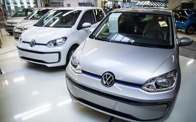 Ľudia sa bijú o dotácie na autá, prvý milión sa rozdal za pol hodinu. Stránka to nezvládla, registráciu museli dočasne zrušiť