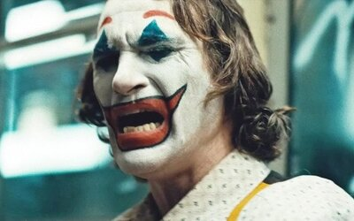 Ľudia sa hromadne sťažujú na Jokera a utekajú z kina: Bol príliš desivý, propaguje duševné problémy