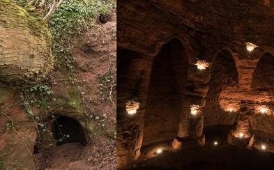 Ľudia si vstup mýlili so zajačou dierou, chrám bol pritom celý čas len meter pod poľom. Fotograf znovu objavil stratené templárske sídlo