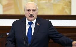 Lukašenko v reakci na sankce vyhrožuje, že uvolní přísný režim na hranicích
