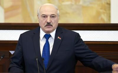 Lukašenko sa vyhráža, že Európsku úniu zaplaví drogovými dílermi a migrantmi. Chce sa pomstiť za sankcie