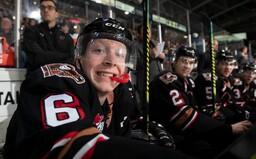 Luke Prokop je prvým aktívnym hráčom NHL, ktorý sa priznal k homosexualite. Vraví, že homosexuáli sú v hokeji vítaní