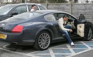 Luxusní 610koňové Bentley Cristiana Ronalda je na prodej. Jeho cena přitom není ani extrémně vysoká
