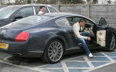 Luxusné 610-koňové Bentley Cristiana Ronalda je na predaj. Jeho cena pritom nie je ani extrémne vysoká.