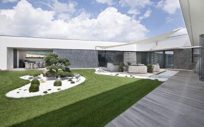 Luxusom nabité sídlo neďaleko Brna čaká na svojho nového majiteľa