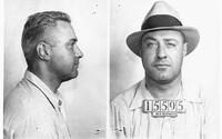Machine Gun Kelly – Nechvalně známý americký gangster, který získal přezdívku podle své oblíbené zbraně