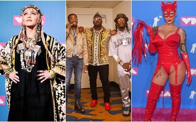 Madonna s tŕňovou korunou, no outfitom prekvapila aj Nicki Minaj či Lil Pump. Aké róby predviedli celebrity na VMA 2018?