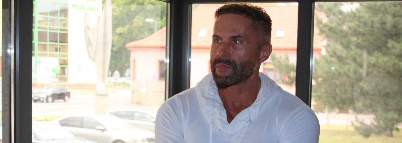 Mafián Reichel: Když jsem vešel do místnosti, gangsteři mu řezali hlavu