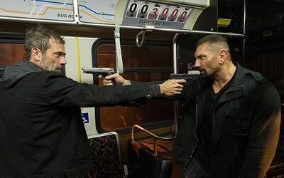 Mafián Robert De Niro bude v thrilleri Heist prenasledovať druhú najobľúbenejšiu horu svalov Hollywoodu