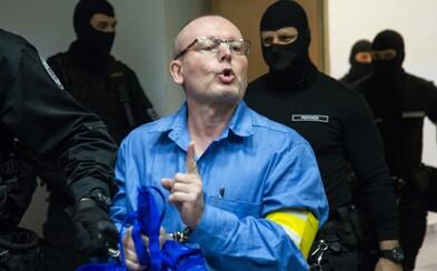 Mafiánsky boss Róbert Lališ alias Kýbel drží vo väzení hladovku. Dôvodom má byť odopieranie základných práv