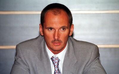 Mafiánsky podnikateľ Žaluď miloval stredoškoláčky. Nájomný vrah mu zásahom z ostreľovacej pušky roztrhal vnútornosti