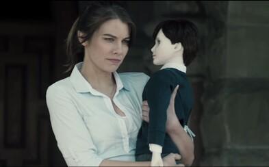 Maggie z The Walking Dead v novom traileri čelí posadnutej porcelánovej bábke