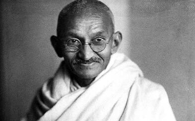 Mahátma Gándhí změnil svět nenásilnými protesty a bojem za mír, který ho však stál život