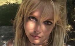 Majetek Britney Spears bude nadále spravovat její otec. Zpěvačka prohrála soud, bez kontroly si nemůže koupit ani kávu