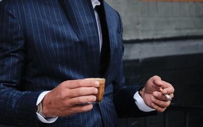 Majitel společnosti dává nekuřákům 4 dny volna navíc. Někteří totiž s cigaretou stráví i hodinu denně