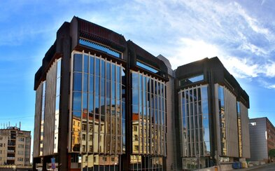 Majitel Transgasu hodlá budovy zdemolovat. Brutalistní architekturu nahradí kanceláře
