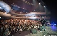 Majk Spirit búra kluby novým albumom Y na aktuálne prebiehajúcej Black Tour