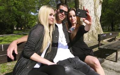 Majk Spirit nelení: V novom videoklipe rozdáva CDčká a avizuje nový, Biely album