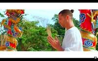 Majk Spirit predstavuje pohodový videoklip ku skladbe Vychilluj, ktorý sa vydal natočiť do Thajska