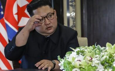 Mal Kim Čong-un strach, že ho Američania chcú otráviť? Na summite si dával na pero veľký pozor a napokon ho aj nahradil vlastným